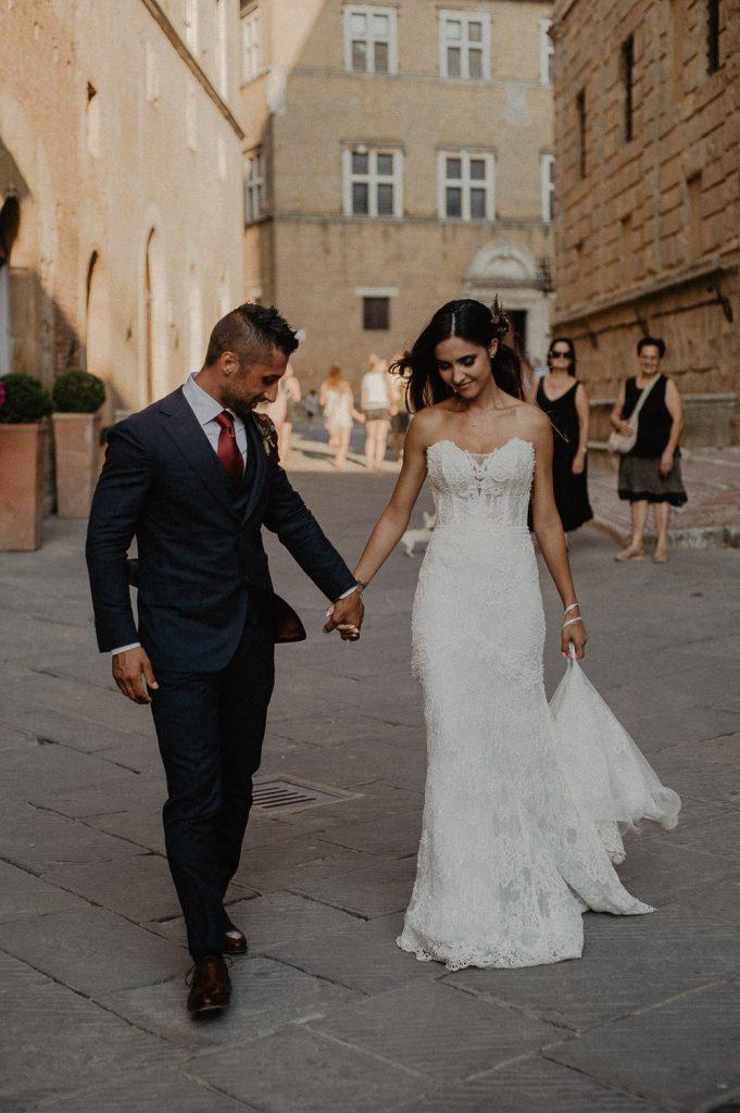 wedding photos of a Tuscany destination wedding