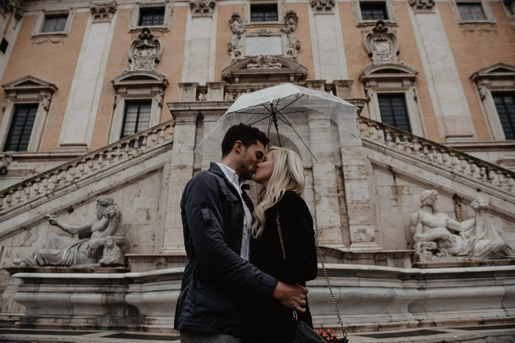 engagement of a couple to the Capitol in Rome