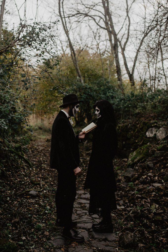 halloween elopement photographer Italy
