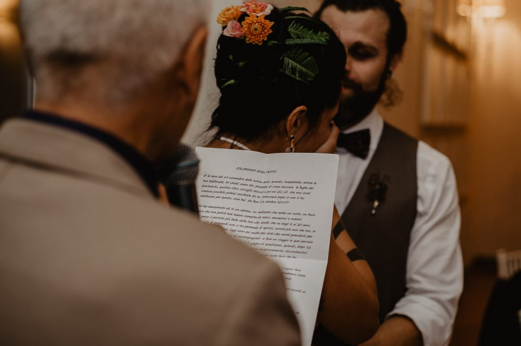 Dad's letter makes the bride move
